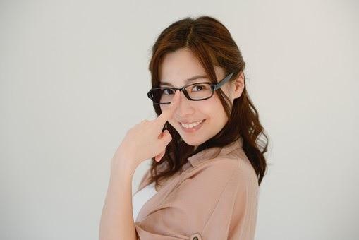 眼鏡のズレ落ち防止対策!